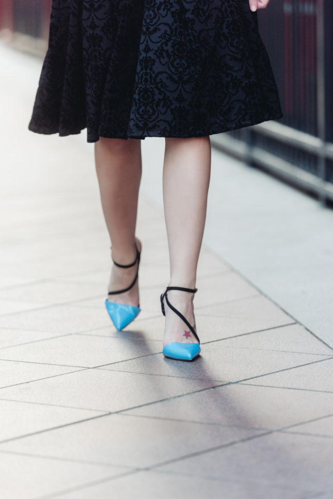 Fashion Blogger, Style Blogger, Houston Blogger, Houston Photographer, Velvet Midi Dress, Pumps