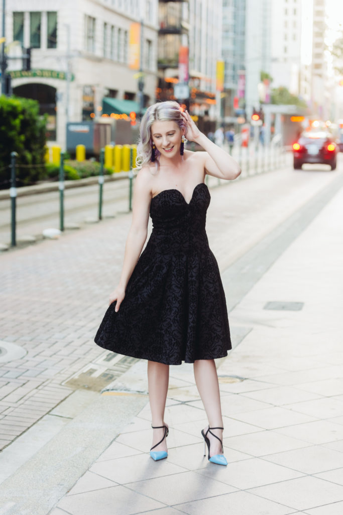 Fashion Blogger, Style Blogger, Houston Blogger, Houston Photographer, Velvet Midi Dress
