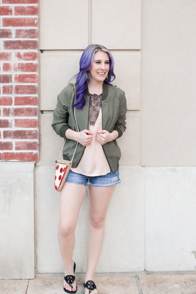 houston blogger, style blog, fashion blogger, blogger, gracefully sassy, lifestyle blogger, denim shorts, abercrombie, spring trends, summer trends, houston photographer, pravana, shein, jcrew, pizza purse