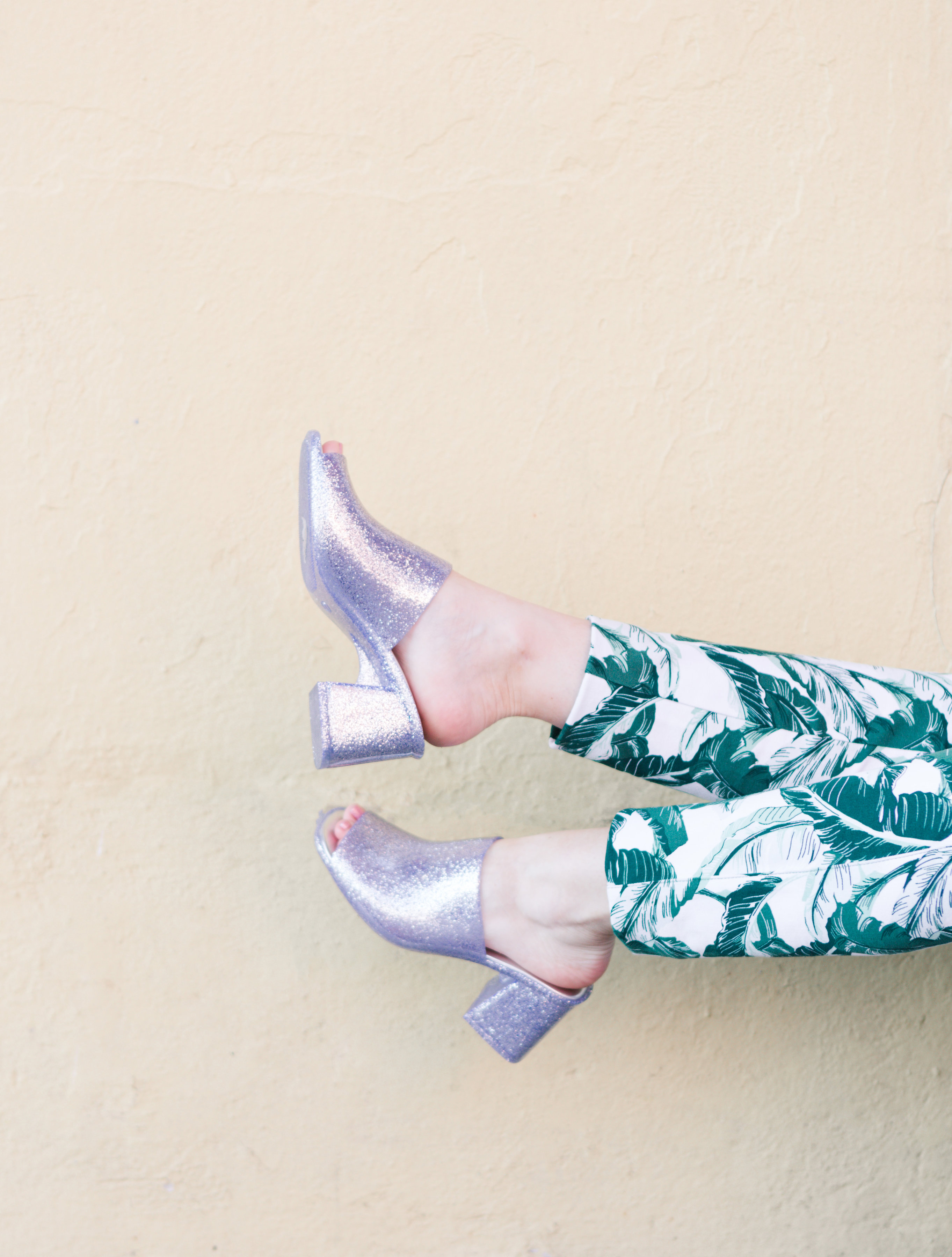 houston blogger, style blog, fashion blogger, gracefully sassy, old navy, jeffrey campbell, nordstrom, glitter mule, palm print, palm print pant, asos, white lace top, pravana, blogger, houston photographer, galveston