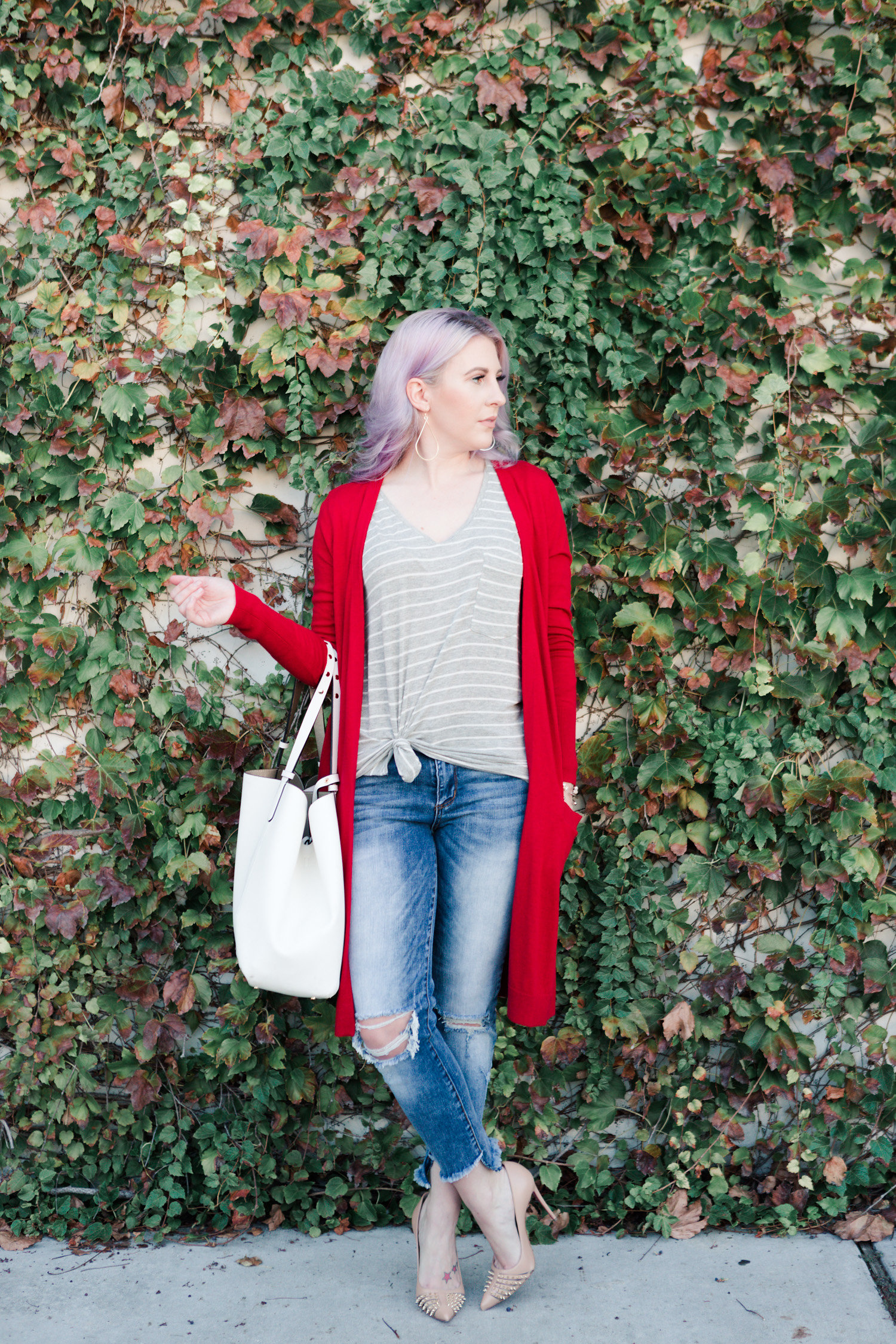 casual style, fall fashion, sweater, basic tee